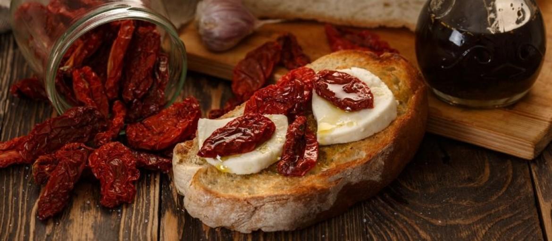 bruschetta-con-pomodori-secchi