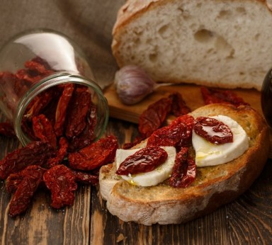 Bruschetta of dried tomatoes and mozzarella